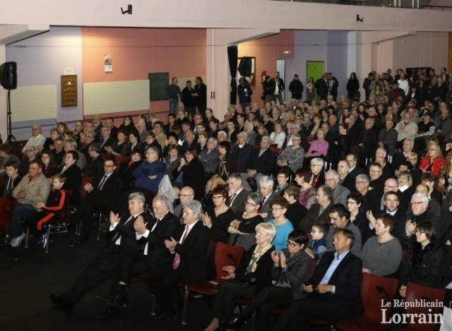 le-gymnase-crehangeois-semblait-soudainement-bien-etrique-pour-accueillir-la-foule-aux-voeux-de-francois-lavergne-photo-rl-1452279154.jpg